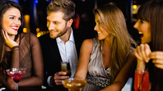 Make Her Chase You: The Simple Strategy to Attract Women