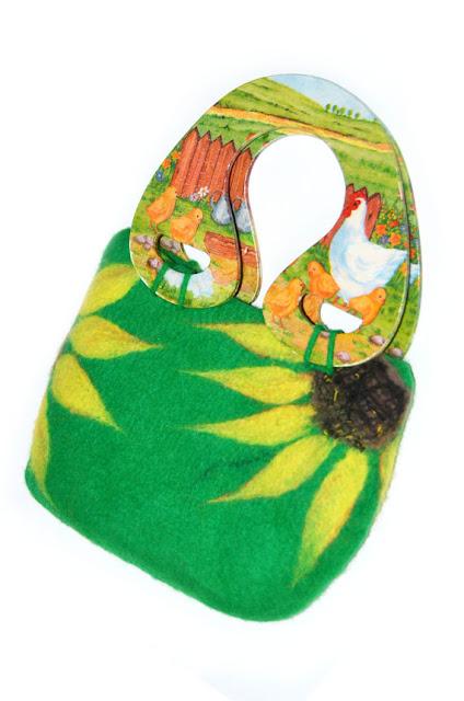Zielona filcowa torebka ze słonecznikami