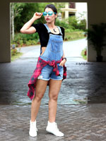 http://www.stylishbynature.com/2016/06/fashion-trend-how-to-wear-dungarees.html