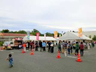 東近江ケーブルテレビフェスティバルの物産・フードコーナーの様子