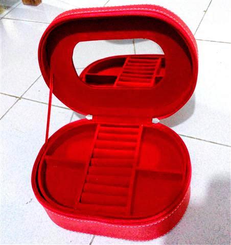 Box Perhiasan Vinyl Oval