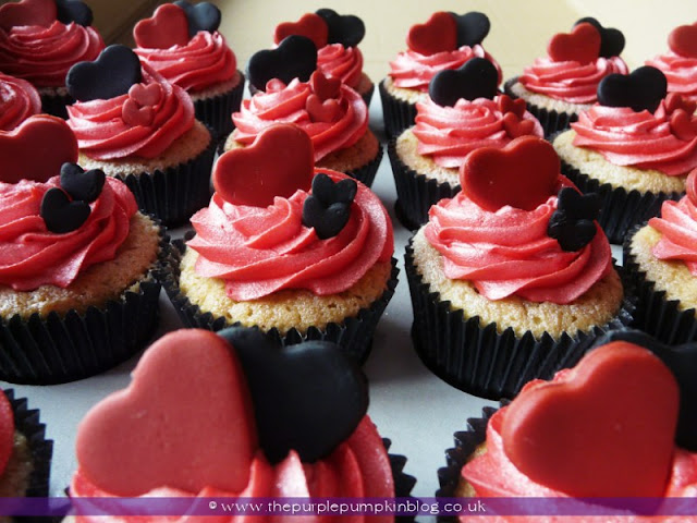 Black, Red & White Heart Wedding Cupcakes   The Purple Pumpkin Blog