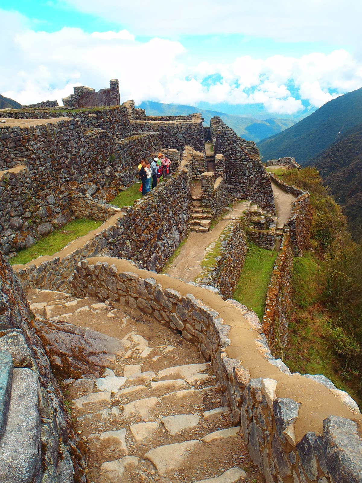 Incredible Incan Ruins To Visit In Peru The Aussie