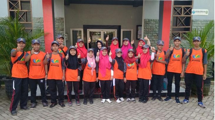 MAM _ diantara_1000_Relawan_Sekolah_Laut_Jawa_Timur