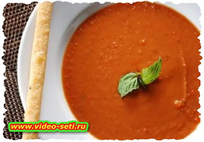 Two-layer Tomato-Broccoli Soup