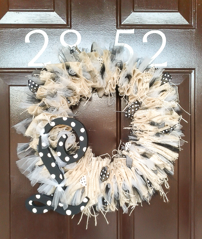 Features and how to make burlap wreaths for halloween for Burlap ribbon craft ideas
