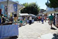 Feira da Agricultura Familiar leva consumidores para praça na Barra do Imbuí em Teresópolis