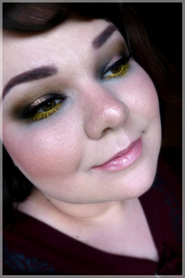 makeup mit gelben Wimpern