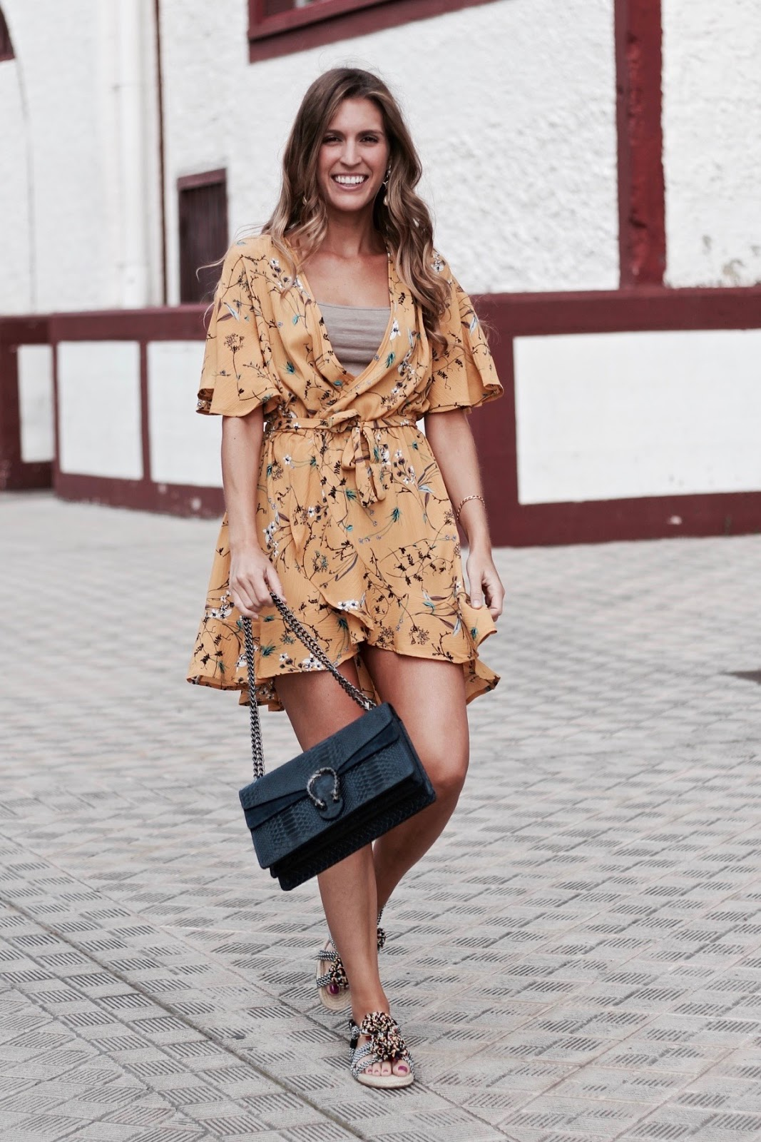 la tendencia wrap dress