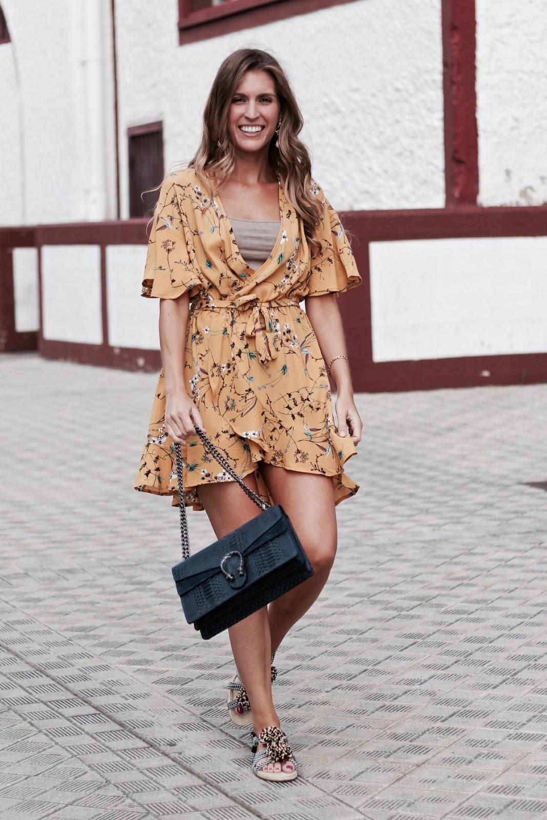 la tendencia wrap dress