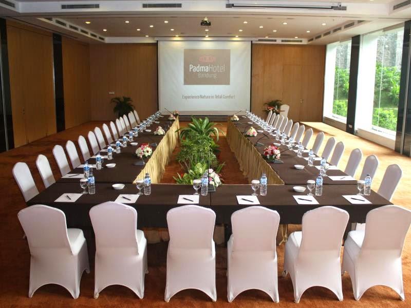 Ruang Rapat di Padma Hotel Bandung