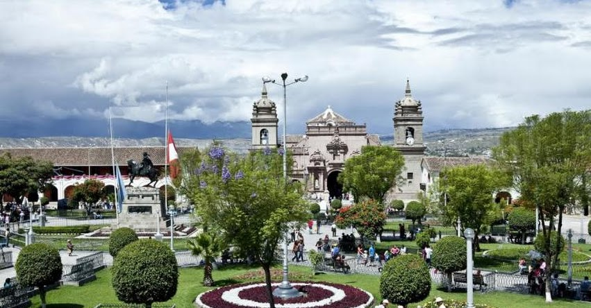 SINEACE y GORE Ayacucho trabajarán para fortalecer formación del capital humano - www.sineace.gob.pe