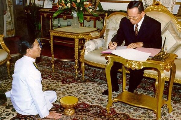 Tersangka Penghina Raja Thailand Diserbu, Penguasa Thailand Desak Warga Tahan Diri