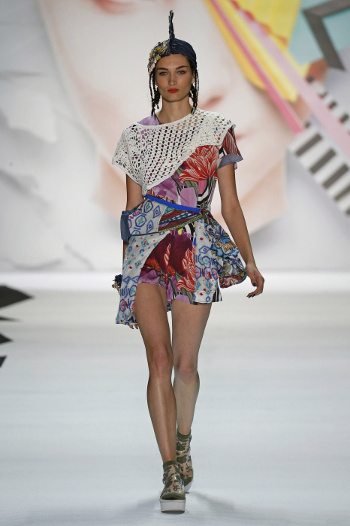 0172 - Desigual collezione donna SS 2016 alla New York Fashion Week 9c16b8db919