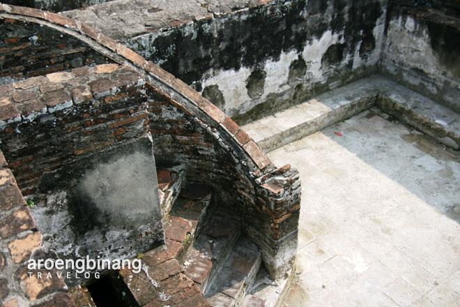 anak tangga keramik keraton surosowan banten lama