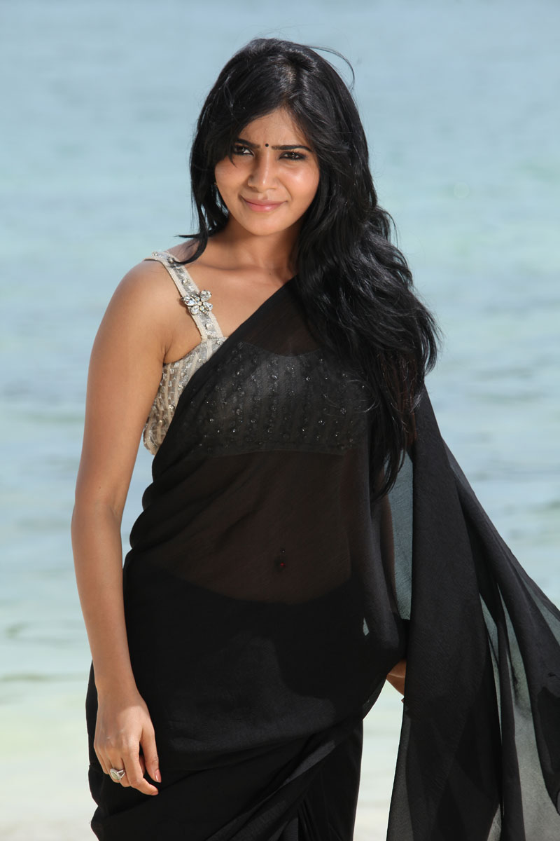 Samantha Ruth Prabhu in black saree, Samantha Ruth Prabhu navel in saree, Samantha Ruth Prabhu hot photos from Jabardasth movie