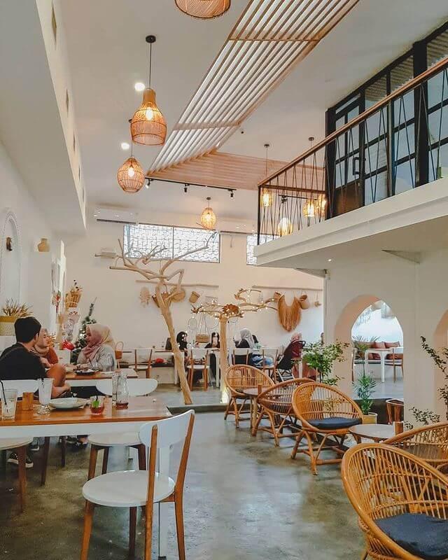 Area indoor Kalluna - foto instagram kalluna_id