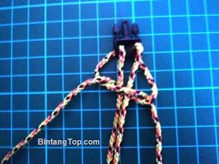 teknik menganyam tali menjadi gelang