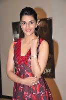 Kriti Sanon New Glamorous Photo HeyAndhra