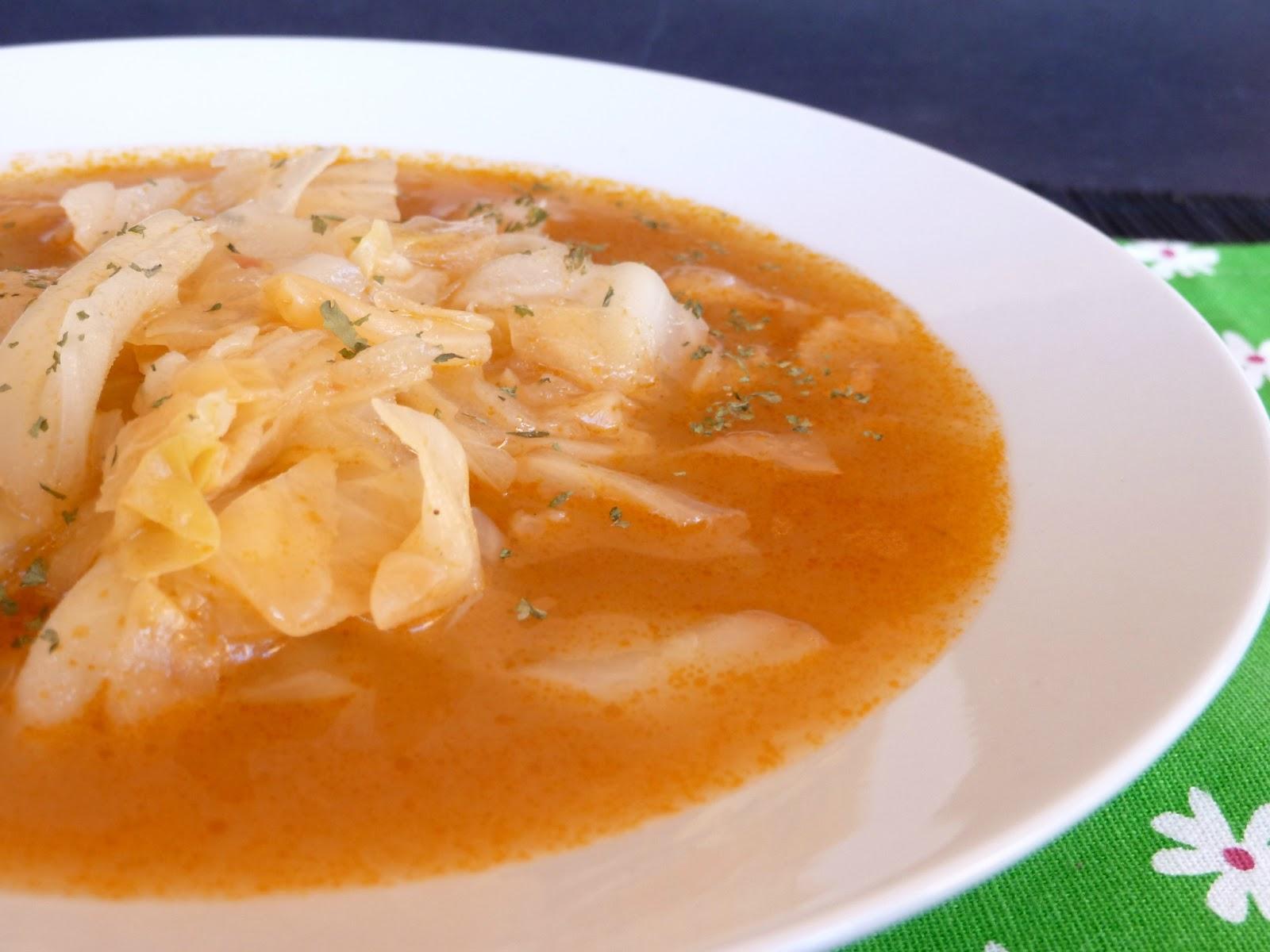 Una fiera en mi cocina sopa de repollo armenia for Cocinar repollo con patatas
