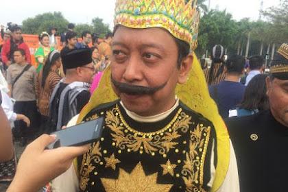 Penampakan Kostum Gatot Kaca Romi yang Bikin Jokowi-Prabowo Tertawa