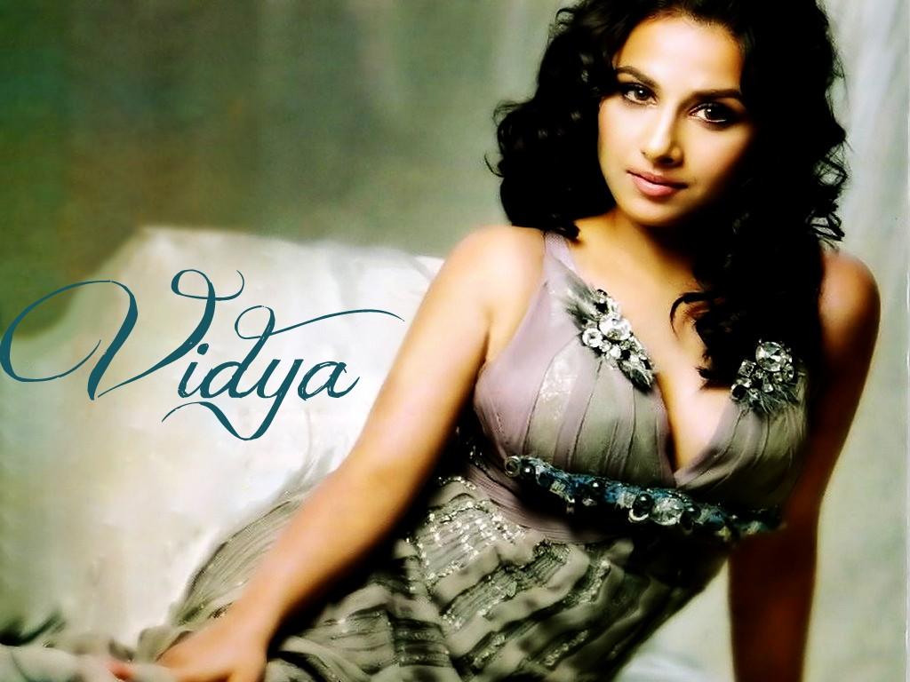 Vidya Balan Hot Wallpapers 2012  Latest Vidya Balan Wallpapers, Pics, Photo Gallery  Cosmics-6168