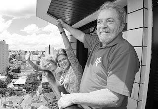 El Ministerio Público Federal brasileño, encargado de analizar las declaraciones del ex presidente Luiz Inácio Lula da Silva realizadas el viernes pasado, dejó trascender que evalúa abrir en su contra una acción civil que le impida ser candidato en los comicios de 2018.