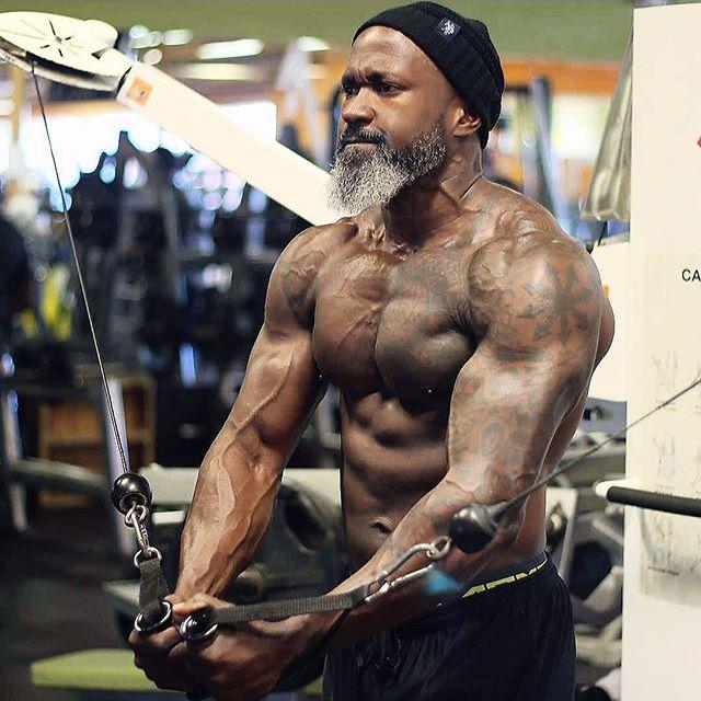 Jean Titus: abuelo de 50 años puede levantar 200 kilos