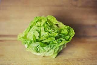Πώς καθαρίζουμε τις πράσινες σαλάτες πολύ εύκολα;