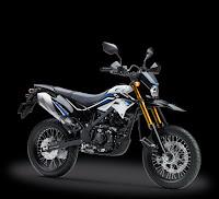 Kredit Motor Kawasaki D-Tracker 150 SE White