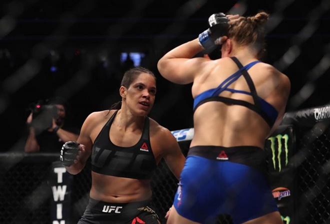UFC: baiana Amanda Nunes nocauteia Ronda no primeiro round e mantém cinturão