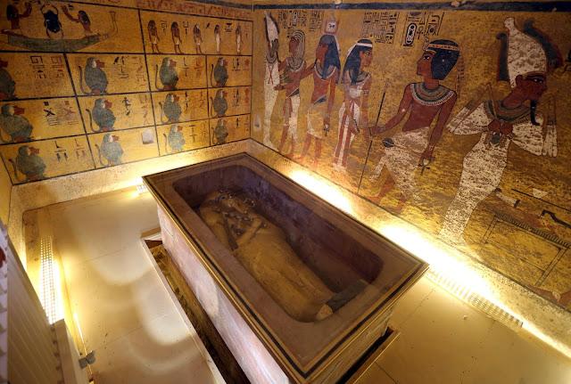 الحجرات السرية في مقبرة توت عنخ آمون