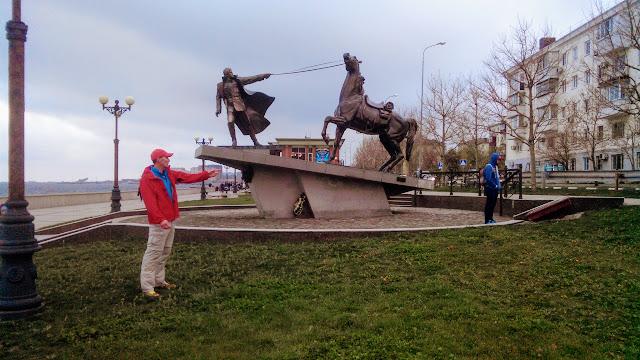 Строптивый конь, Исход, Новороссийск, Андрей Думчев