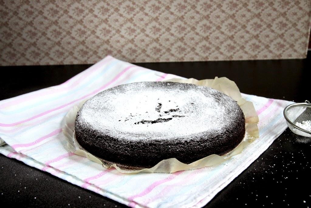 Ciasto czekoladowe z migdałami