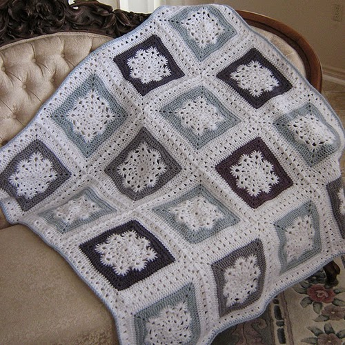 Woolly's Snowflake Square