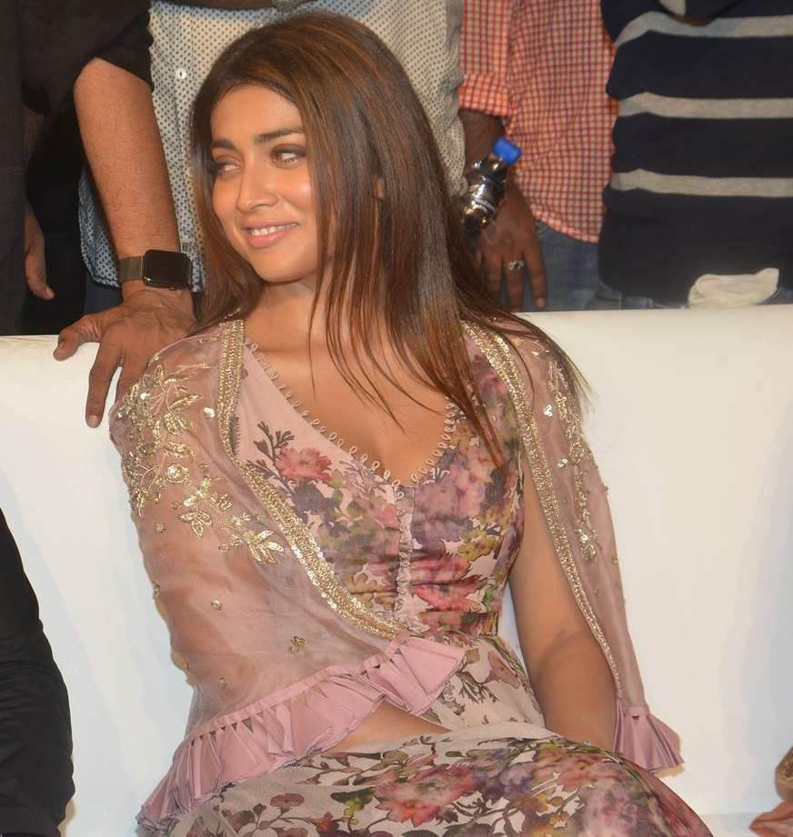 Actress ShriyaSaran latest Images