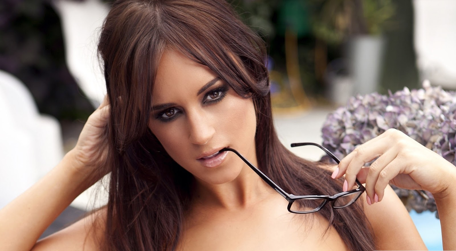 Gta 5 Beach Girl Wallpaper Care We Rosie Jones
