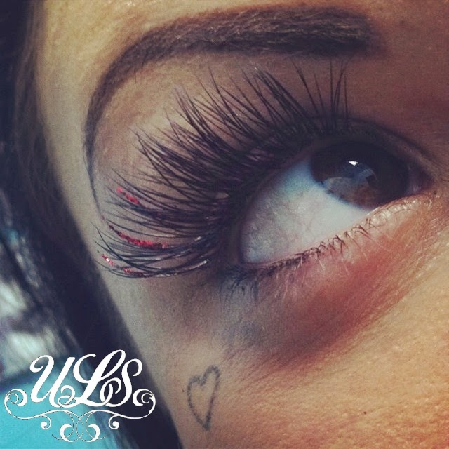Holly tells Lash Tales: Confessions of Lash Extension Tech: Glitter