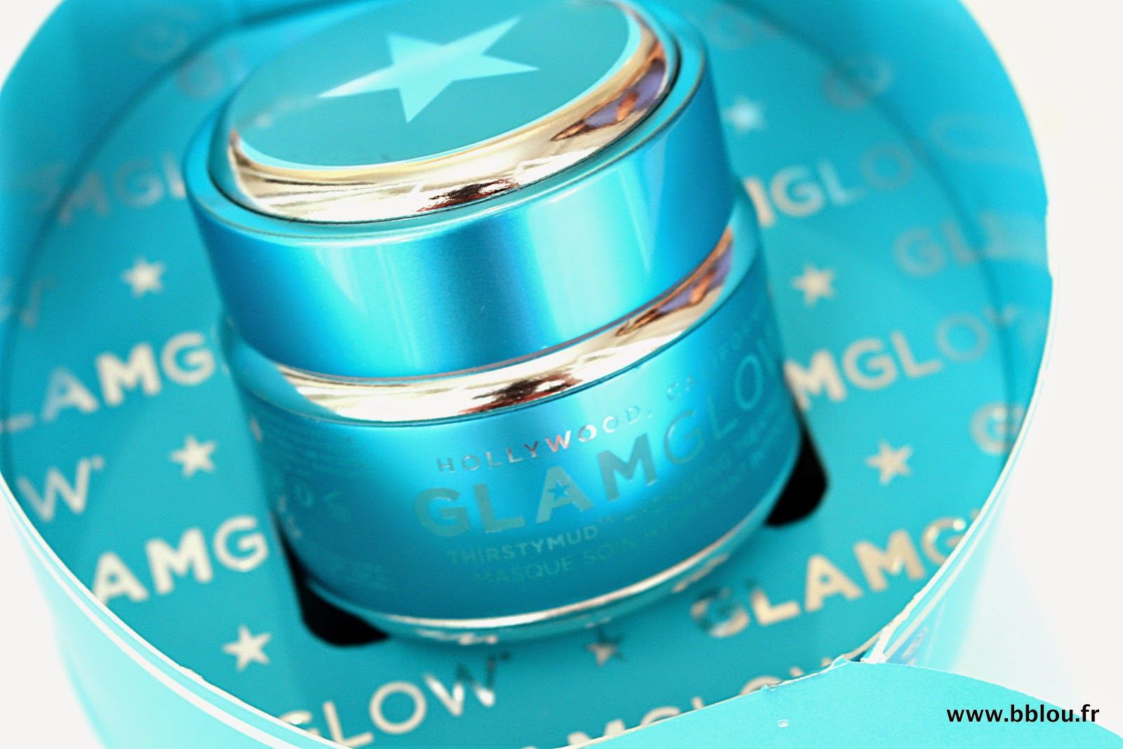 http://www.beautybylou.com/2014/08/glamglow-fait-son-entree-dans-ma-salle.html