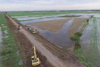 Ayutthaya industrial parks, Bangkok prepare for floods