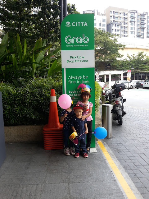 1st time Naik Grab Car Solo Tanpa Daddy
