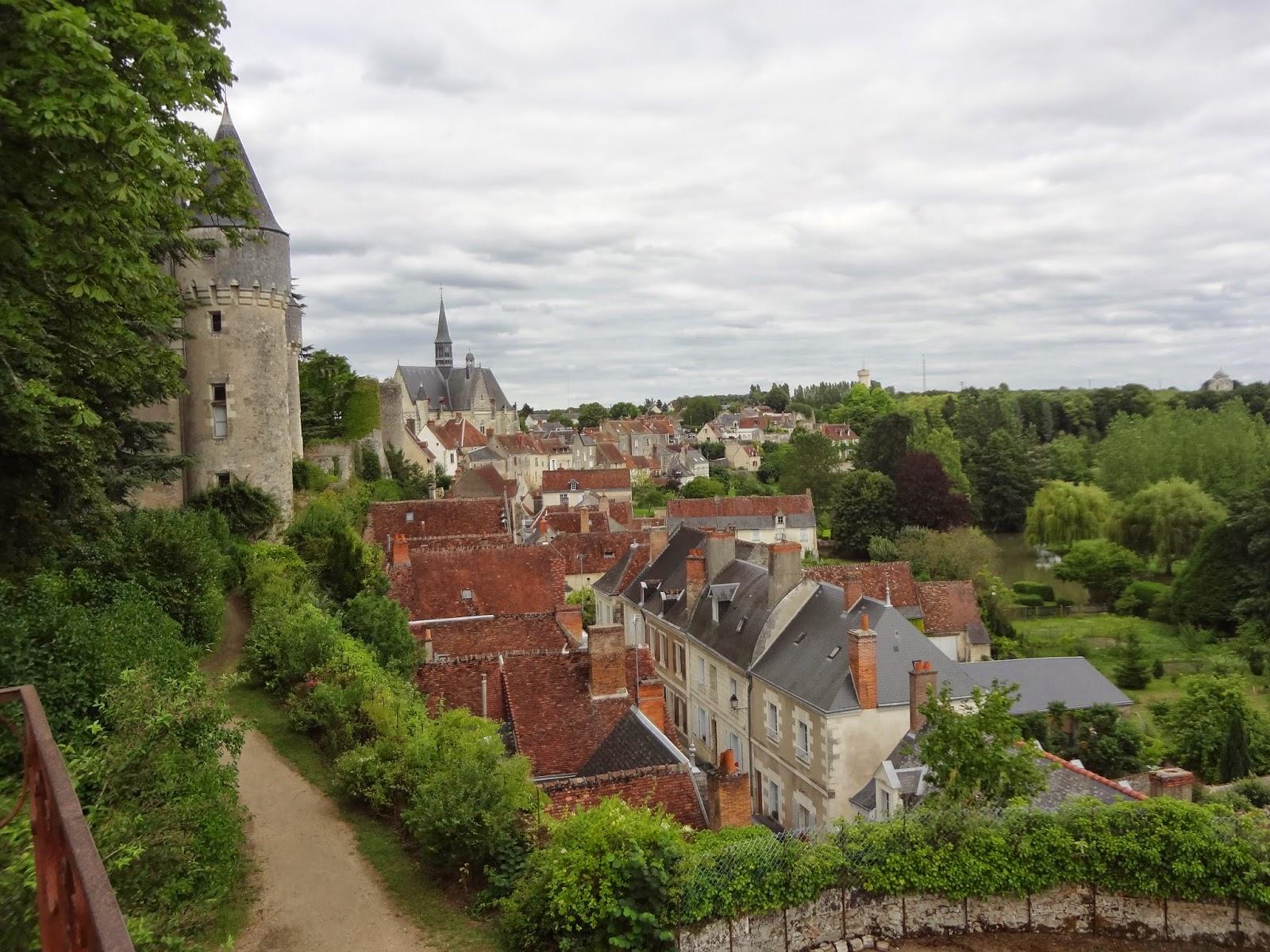 Vista de Montrésor desde el castillo