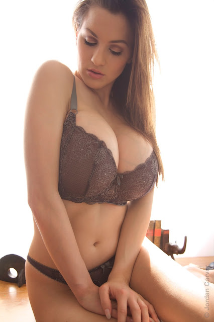 hot-jordan-carver-table-sexy-photo-shoot-hd-20