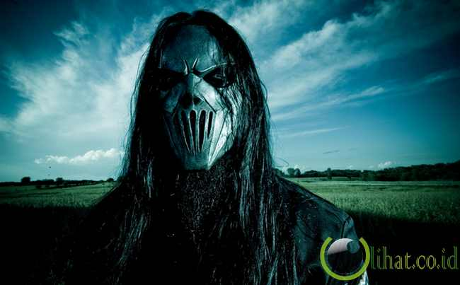 the most world records 7 creepy faceless mask