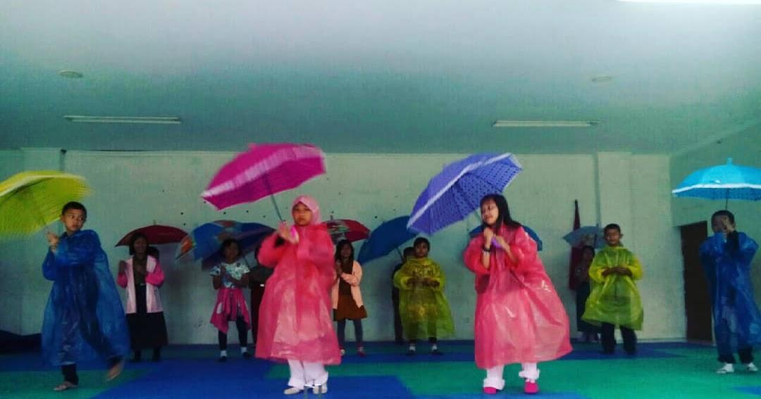 Penilaian Gerak Tari Lagu Hujan Rintik Rintik A.T. Mahmud ...