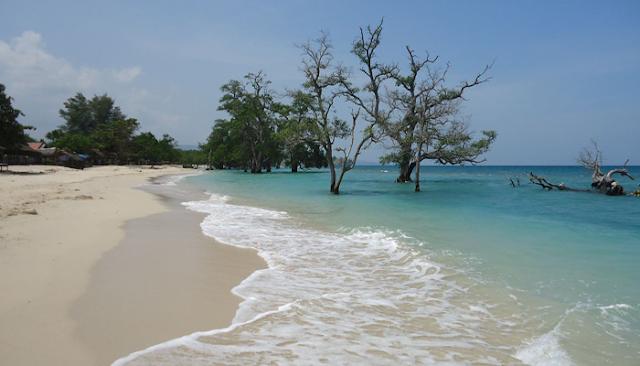 Menikmati Keindahan Pantai Lhok Mee Di Aceh