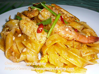 Pinoy Style Pad Thai Dish