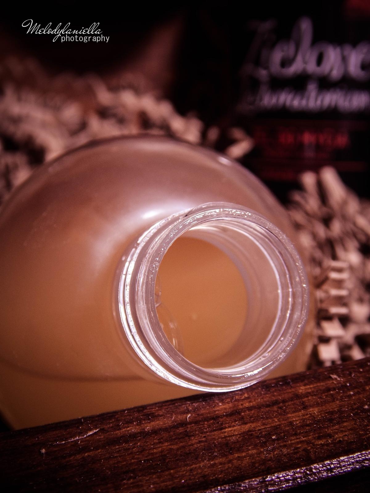 zielone laboratorium odżywka do włosów odbudowująca kosmetyki wegańskie żel do mycia szampon aromaterapeutyczny kosmetyki o mocnych zapachach olejki eteryczne kosmetyki naturalne zapachy
