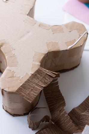 cómo hacer una caja o piñata con forma de galleta