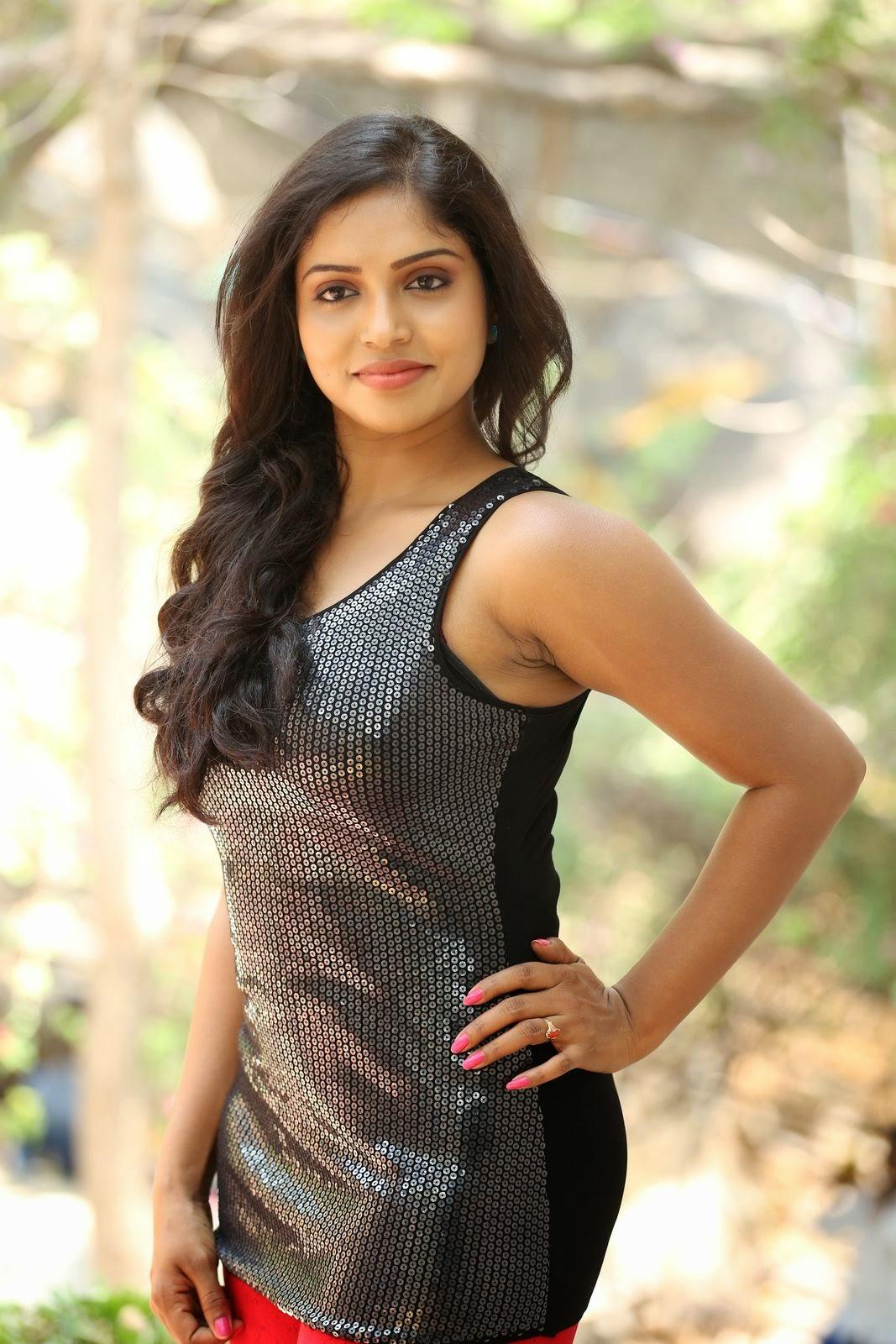 Actress Karunya New glam pics-HQ-Photo-1